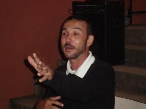 Leonardo Letra contando história